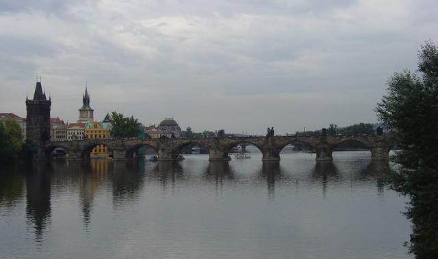 bridge_over_moldau